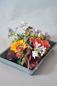 Kist vol bloemen