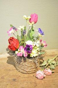 Bloemstuk bloemenmand